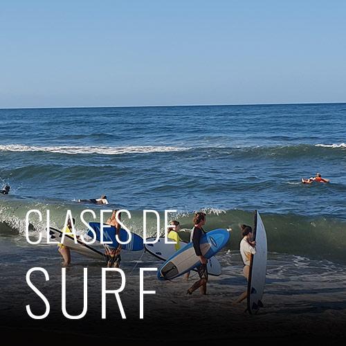 Costeno Beach Hostel es el hogar de la tienda de surf, All Good Surf. All Good Surf fue la primera escuela de surf en esta área. Enseñamos, entrenamos y mostramos un buen momento para todos, desde principiantes hasta surfistas avanzados. Tenemos clases de surf todo el año. Las playas de surf en esta costa son mucho más fáciles de conseguir y tienden a ser un poco más tranquilas, son las mejores si eres un principiante, aprendes a surfear o tienes experiencia y solo quieres salir y tomar algunas olas