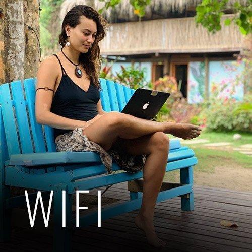 Contamos con Wifi gratis que funciona en nuestras áreas sociales, para que puedas comunicarte con tus amigos o familiares, y también si deseas seguir trabajando desde tu computadora