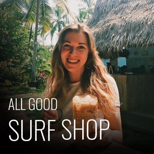 Para aquellos que deseen relajarse y disfrutar de un día en la playa, también tenemos una pequeña cafetería en la escuela, donde puede encontrar un excelente café y deliciosas postres caseros